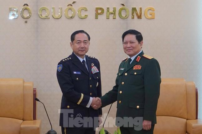 Quân đội Việt - Nhật xem xét chuyển giao công nghệ đóng tàu quân sự ảnh 1