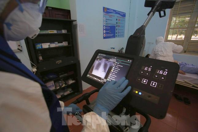 Cận cảnh Bệnh viện dã chiến truyền nhiễm số 1 thực hành chống Covid-19 ảnh 7