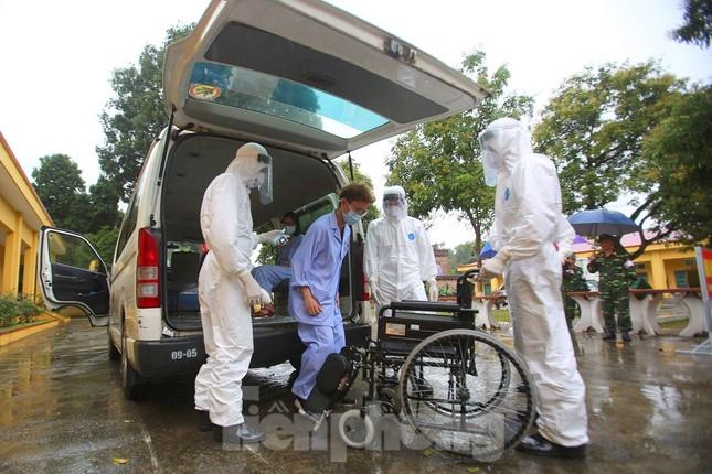 Cận cảnh Bệnh viện dã chiến truyền nhiễm số 1 thực hành chống Covid-19 ảnh 3