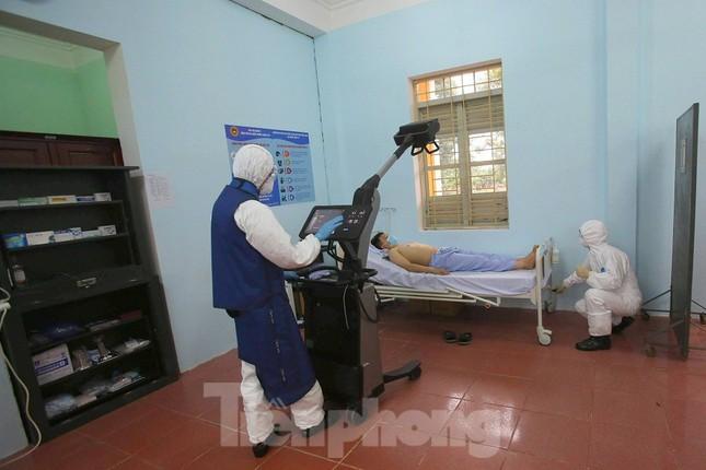 Cận cảnh Bệnh viện dã chiến truyền nhiễm số 1 thực hành chống Covid-19 ảnh 6