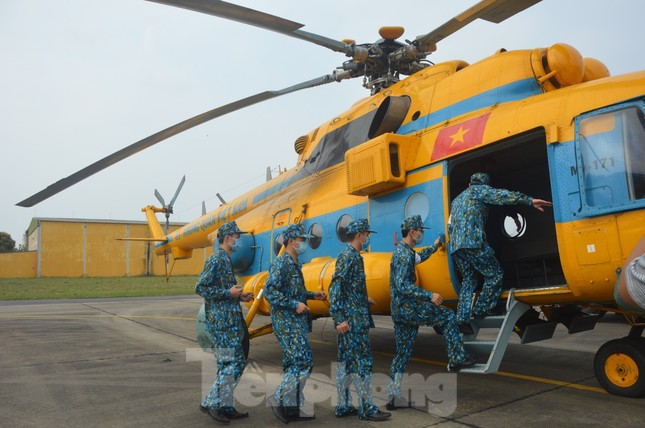 Đoàn Không quân Ba Vì diễn tập ứng phó tình huống 30 nghìn người mắc Covid-19 ảnh 7