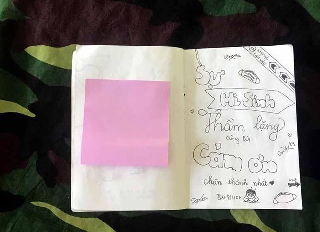 Xúc động tranh vẽ 14 ngày cách ly trong doanh trại của cô gái 18 tuổi ảnh 18