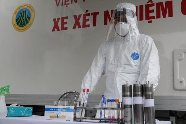 Thủ tướng Nguyễn Xuân Phúc kiểm tra công tác phòng chống dịch Covid-19 của Quân đội ảnh 3
