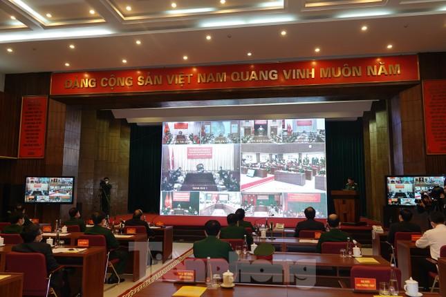 Thủ tướng Nguyễn Xuân Phúc kiểm tra công tác phòng chống dịch Covid-19 của Quân đội ảnh 5