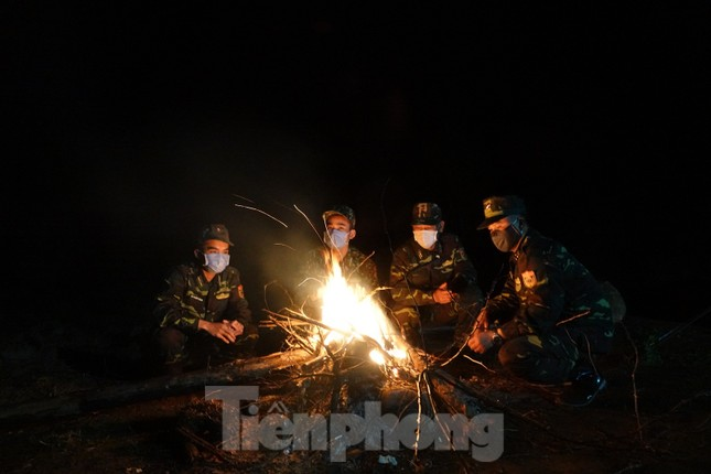 Biên phòng Quảng Ninh ngăn đại dịch COVID-19 ảnh 6