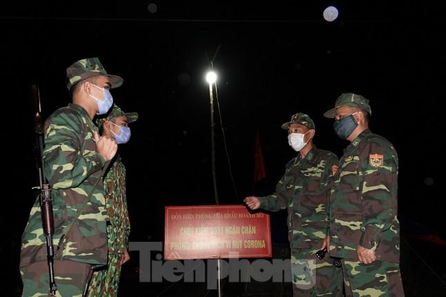 Biên phòng Quảng Ninh ngăn đại dịch COVID-19 ảnh 1