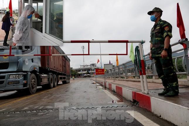 Biên phòng Quảng Ninh ngăn đại dịch COVID-19 ảnh 18