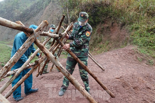 Biên phòng Quảng Ninh ngăn đại dịch COVID-19 ảnh 9