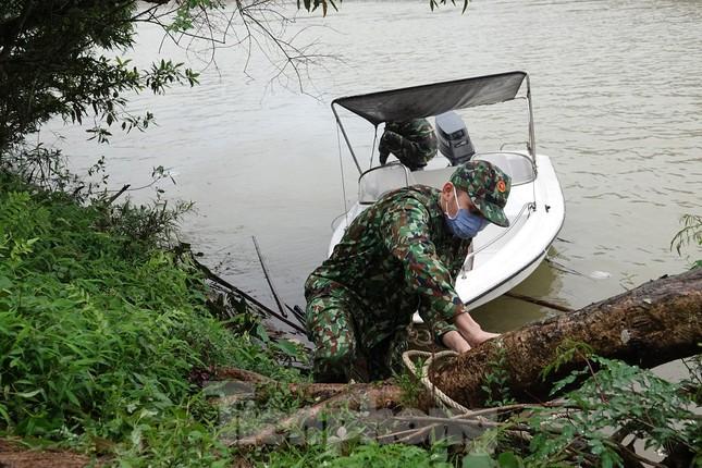 259 học viên Biên phòng lên biên giới dầm mưa chống đại dịch ảnh 11