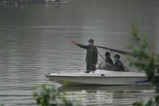 259 học viên Biên phòng lên biên giới dầm mưa chống đại dịch ảnh 9