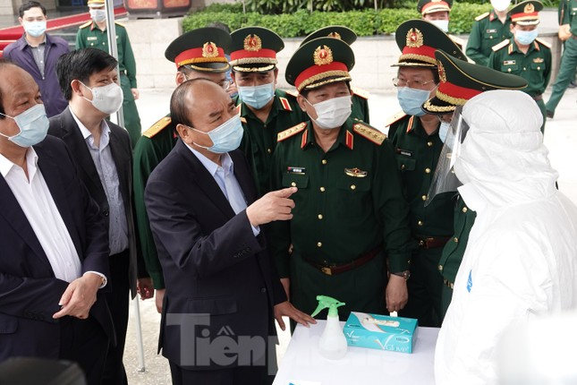 Bộ Quốc phòng cấm trại các đơn vị chiến thuật để chống dịch COVID-19 ảnh 1