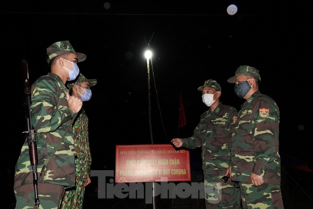 Lo chống dịch trên biên giới, hàng chục quân nhân biên phòng hoãn đám cưới ảnh 2