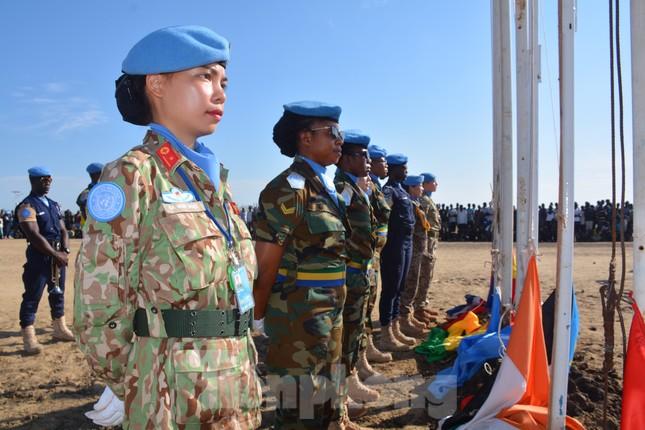 Kỷ niệm Nam Sudan của nữ sĩ quan mũ nồi xanh Sa Minh Ngọc ảnh 2