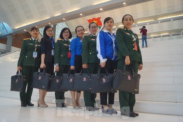 Bổ nhiệm trung tá Ninh Thu Trang giữ chức vụ Phó Tư lệnh Binh đoàn 11 ảnh 2