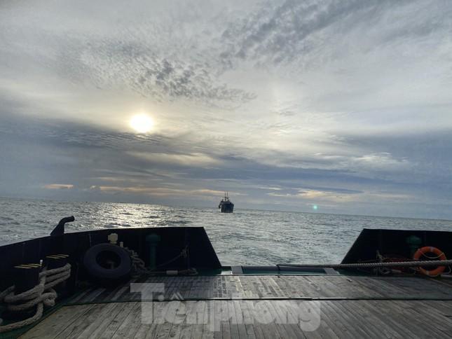 Lữ đoàn Tàu ngầm 189 cứu tàu Nga gặp nạn ảnh 1