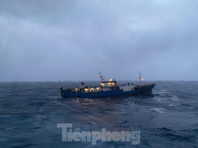Lữ đoàn Tàu ngầm 189 cứu tàu Nga gặp nạn ảnh 2