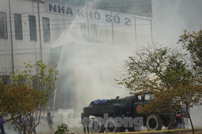 Quân đội diễn tập phòng thủ dân sự liên tỉnh ứng phó sự cố môi trường ảnh 11