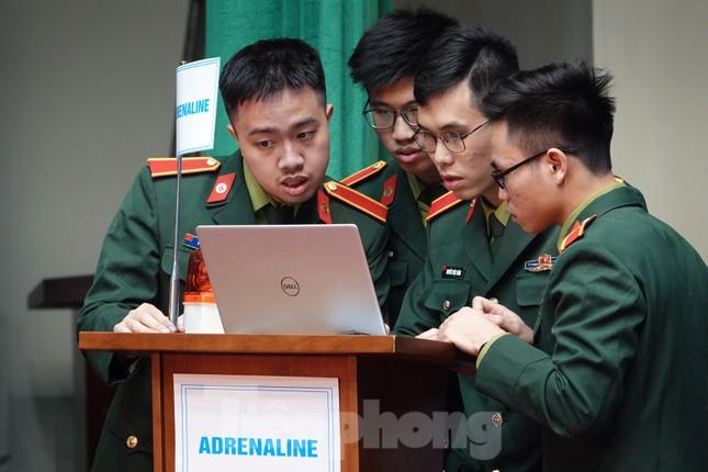Học viên, sinh viên Học viện Quân y so tài tiếng Anh ảnh 4