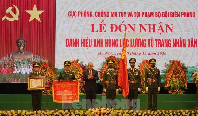 'Quả đấm thép' của lực lượng Biên phòng đón nhận danh hiệu Anh hùng ảnh 4