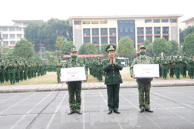 Tăng cường 2 tiểu đoàn Biên phòng lên biên giới chống dịch ảnh 3