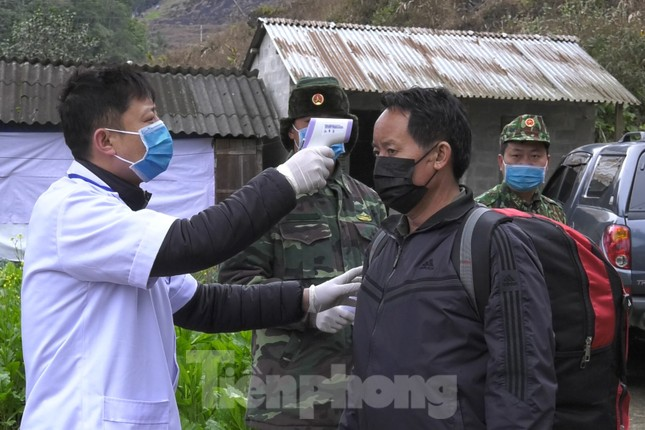 Bắt 35 người nhập cảnh trái phép về Việt Nam ảnh 1