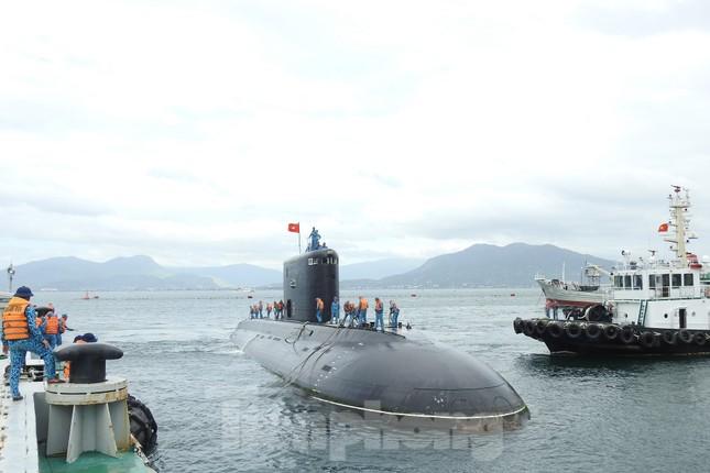 Hai 'ly rượu' đặc biệt đón giao thừa của lính tàu ngầm Việt Nam ảnh 6