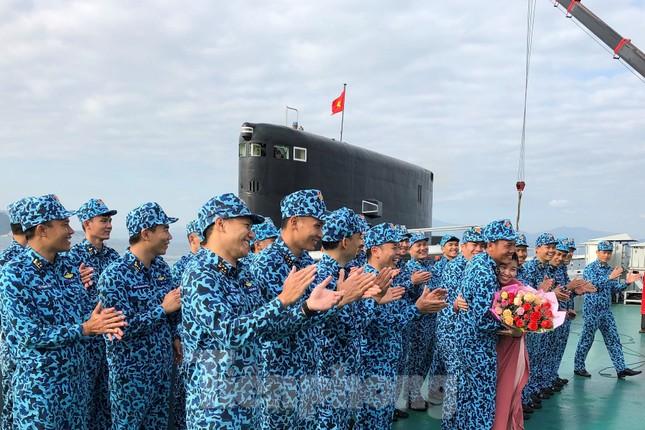 Hai 'ly rượu' đặc biệt đón giao thừa của lính tàu ngầm Việt Nam ảnh 5