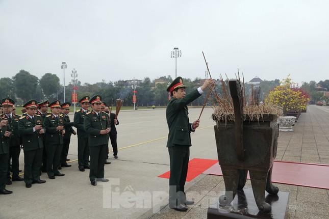 Thượng tướng Phan Văn Giang giao nhiệm vụ đầu xuân cho BTL Bảo vệ Lăng ảnh 1