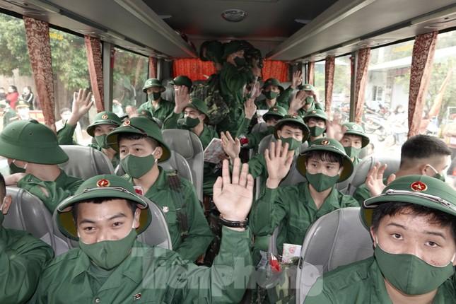 Tiếp sức thanh niên Bắc Kạn tòng quân bảo vệ Tổ quốc ảnh 8