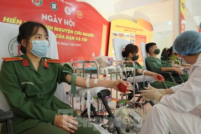 Phát động tuổi trẻ toàn quân hiến máu, nhân lên nghĩa cử cao đẹp ảnh 5