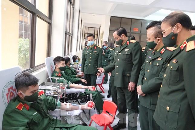 Phát động tuổi trẻ toàn quân hiến máu, nhân lên nghĩa cử cao đẹp ảnh 8