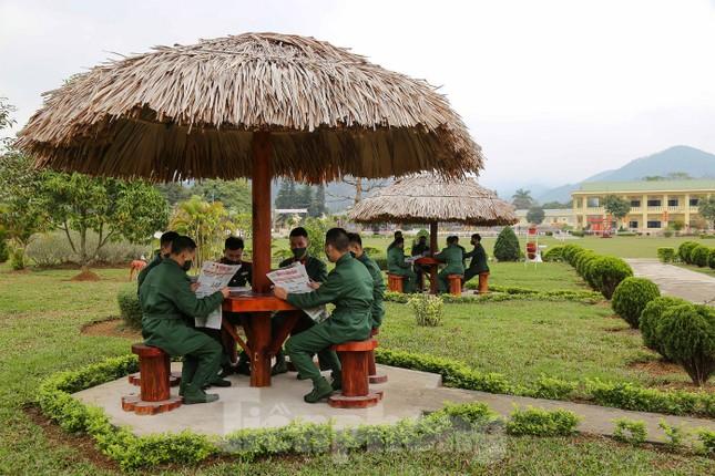 Tân binh Trung đoàn 246 gác nỗi nhớ nhà, hăng say tập luyện ảnh 12
