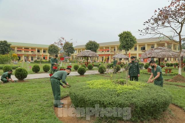 Tân binh Trung đoàn 246 gác nỗi nhớ nhà, hăng say tập luyện ảnh 8