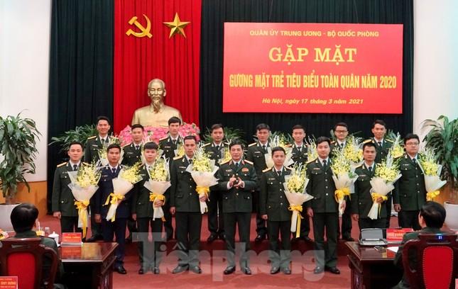 Quân ủy Trung ương - Bộ Quốc phòng biểu dương điển hình trẻ tiêu biểu toàn quân ảnh 7