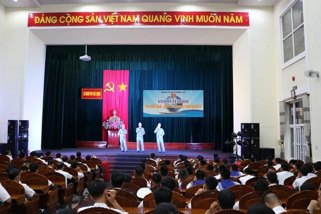 Thủy thủ tàu ngầm tọa đàm song ngữ Việt - Nga ảnh 1