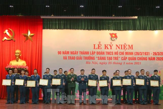 Quân chủng Phòng không - Không quân trao Giải thưởng Sáng tạo trẻ năm 2020 ảnh 3