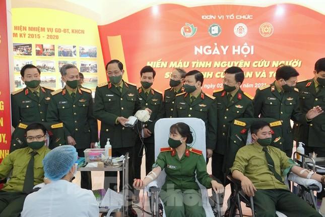 Tuổi trẻ Quân đội thực hiện hơn 1.500 công trình, phần việc trong Tháng Thanh niên ảnh 3
