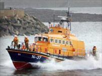 Vụ tàu SEA BEE đắm: 21 lọ nước biển được chuyển về VN ảnh 1