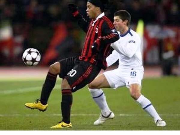 Real thắng thuyết phục, Milan vượt cạn thành công ảnh 1