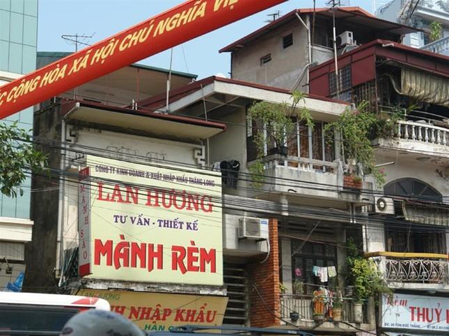 Biển quảng cáo trên đường phốHà Nội trước 'giờ G' ảnh 3