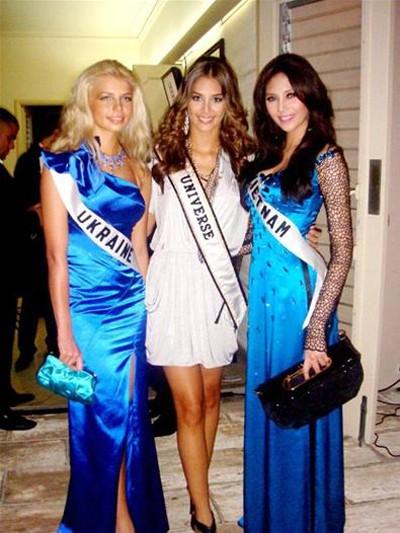 Nhìn lại hành trình của Hoàng Yến tại Miss Universe ảnh 4