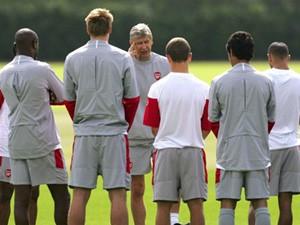 Arsenal tìm đường vào Champions League ảnh 1