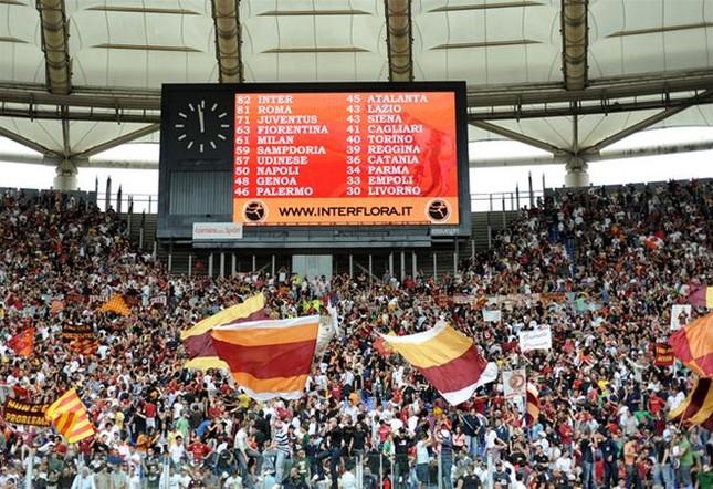 """Roma mất """"cầu thủ thứ 12"""" trong trận quyết đấu ảnh 1"""
