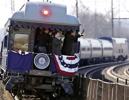 Hành trình bằng tàu hỏa của Tân TT Mỹ tới Washington ảnh 1