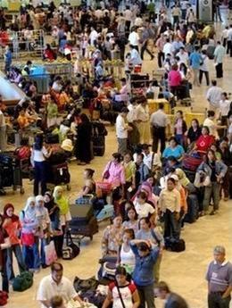 Lo sợ khủng bố, Hàng không châu Á tắc nghẽn ảnh 1