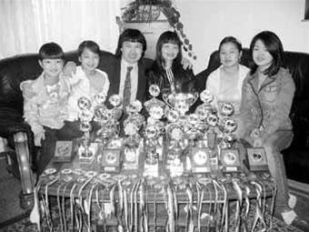 Những cô gái vàng trong một gia đình người Việt ở Magdeburg ảnh 1