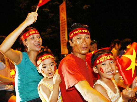 Mừng đội tuyển Việt Nam vào tứ kết ASIAN Cup 2007 ảnh 2