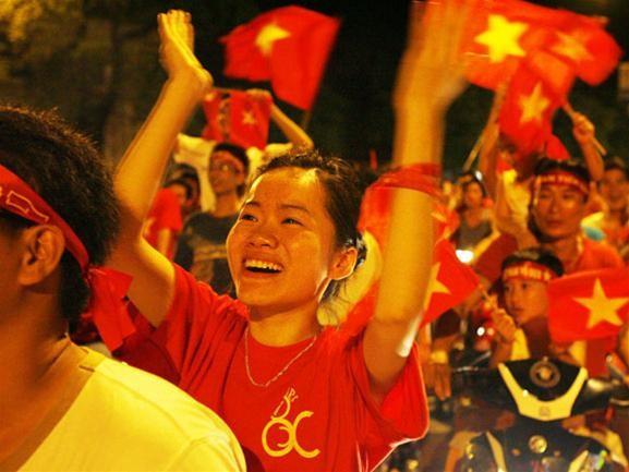 Mừng đội tuyển Việt Nam vào tứ kết ASIAN Cup 2007 ảnh 4