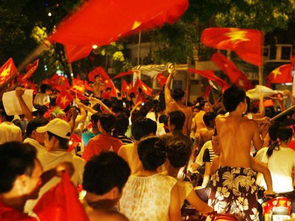 Mừng đội tuyển Việt Nam vào tứ kết ASIAN Cup 2007 ảnh 5