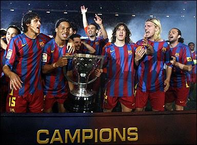 Barcelona ăn mừng vô địch bằng chiến thắng ảnh 1